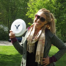 American Eagle college brand ambassador is ready for a little game of frisbee