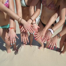 Experientail marketing to millennials on spring break: imPress manicures in a rainbow of colors