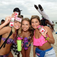 Experiential marketing: female college students on spring break love KISS press-on manicure sets